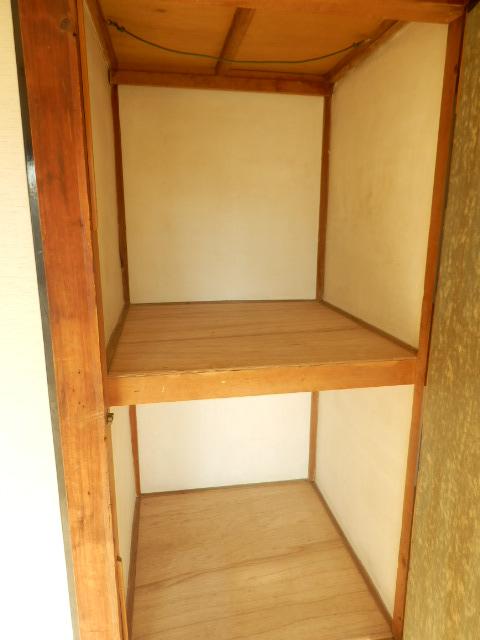 旭荘 10号室の収納