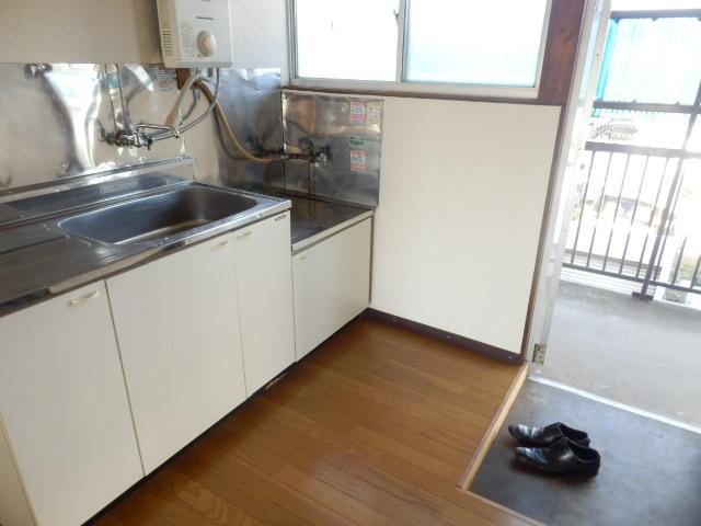 旭荘 10号室のキッチン