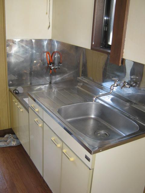 新富士見荘 101号室のキッチン