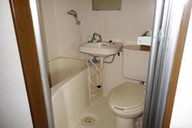 アヴニール鵠沼 301号室の風呂