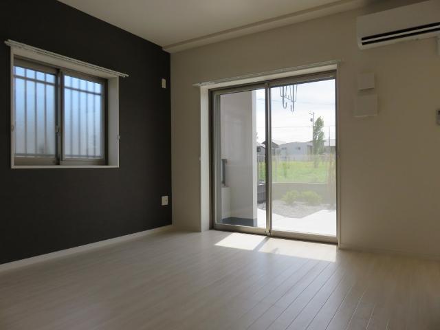 (仮称)平塚市紅谷町マンション新築工事 00201号室のリビング