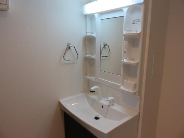(仮称)平塚市紅谷町マンション新築工事 00201号室の洗面所