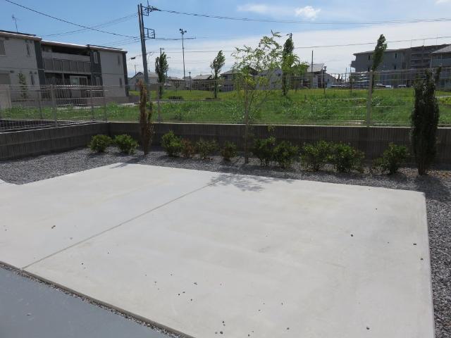 (仮称)平塚市紅谷町マンション新築工事 00401号室の庭