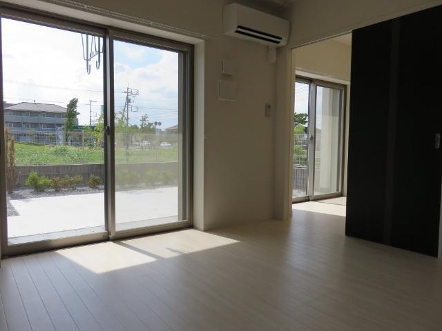 (仮称)平塚市紅谷町マンション新築工事 00401号室のリビング