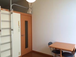 レオパレスCREW 103号室の居室