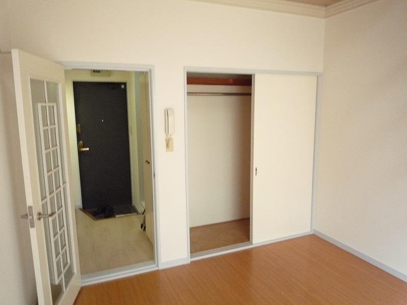 ノーリーズン柏 103号室のリビング