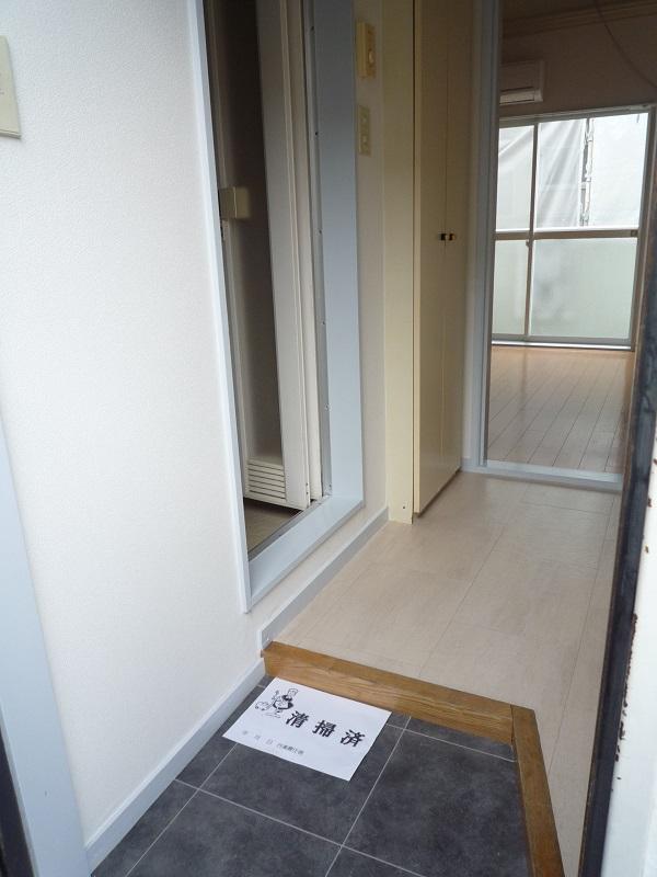 ノーリーズン柏 103号室の玄関