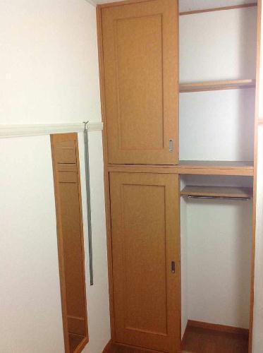 レオパレスSELENITE 102号室の収納