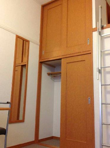 レオパレスSELENITE 206号室の収納