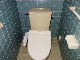 腰越戸建のトイレ