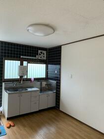 細谷ハイツ 202号室のキッチン