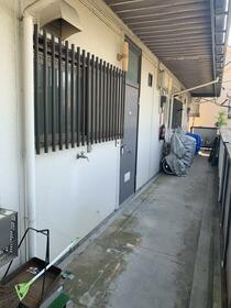 細谷ハイツ 202号室の玄関