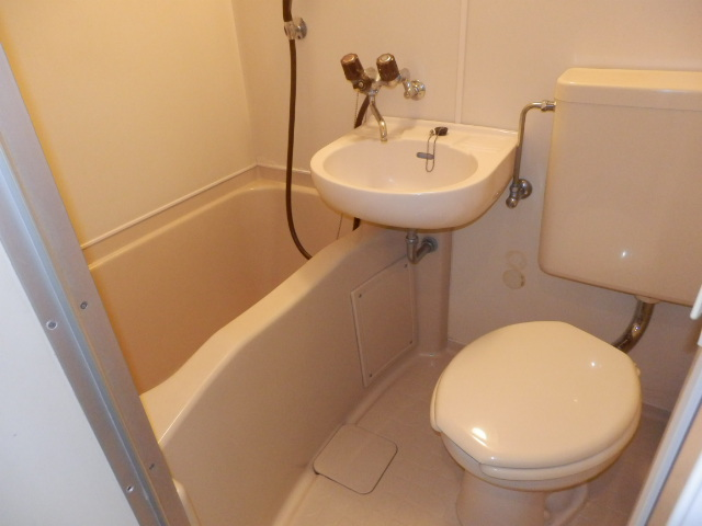 オークパレス 206号室のトイレ
