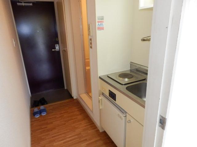 オークパレス 206号室の玄関