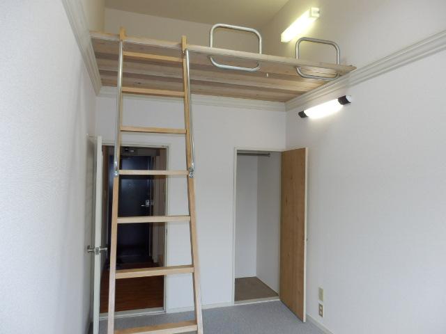 オークパレス 206号室の収納