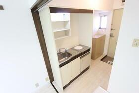 ホワイトヒルズ 202号室のキッチン
