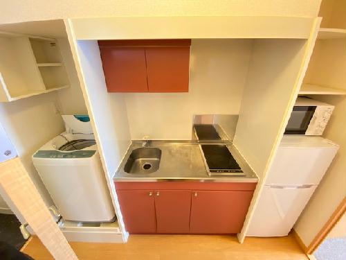 レオパレスKAZUⅢ 301号室のキッチン