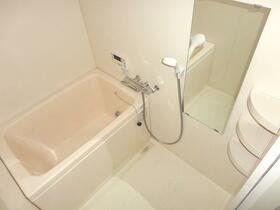 メゾン・ドゥ・レスト 102号室の風呂