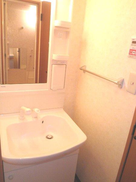 レジデンスSAKURA 101号室の洗面所