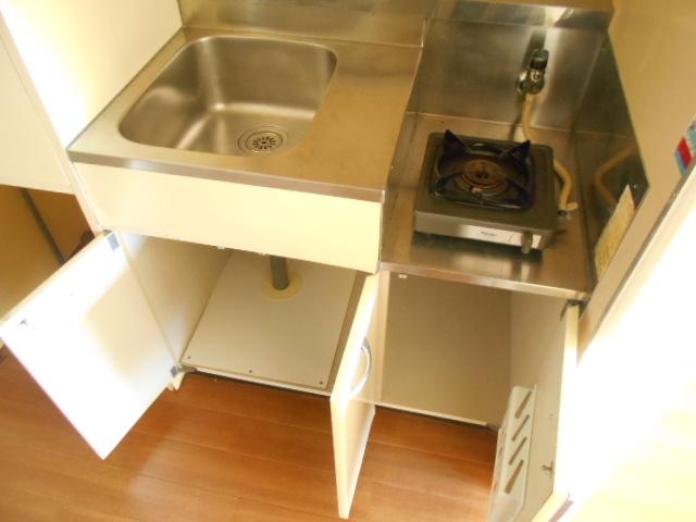 厚木ユースハイム 101号室のキッチン