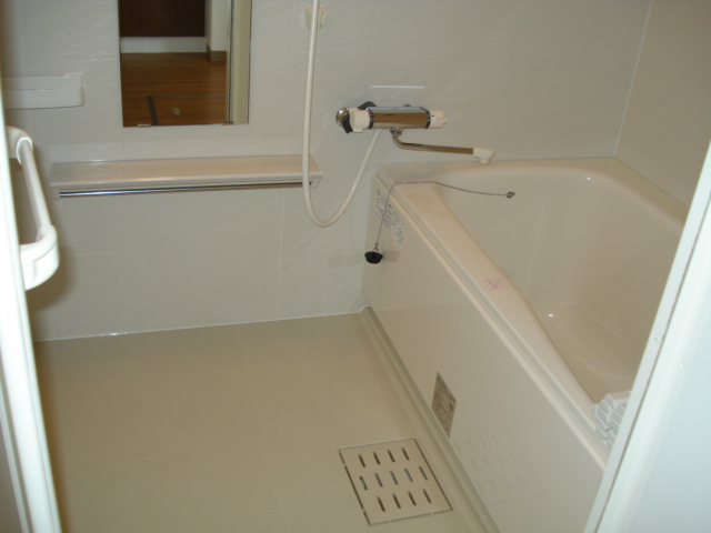 プルミエール湘南 203号室の風呂
