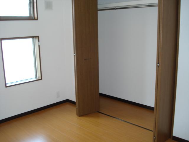 プルミエール湘南 203号室のベッドルーム