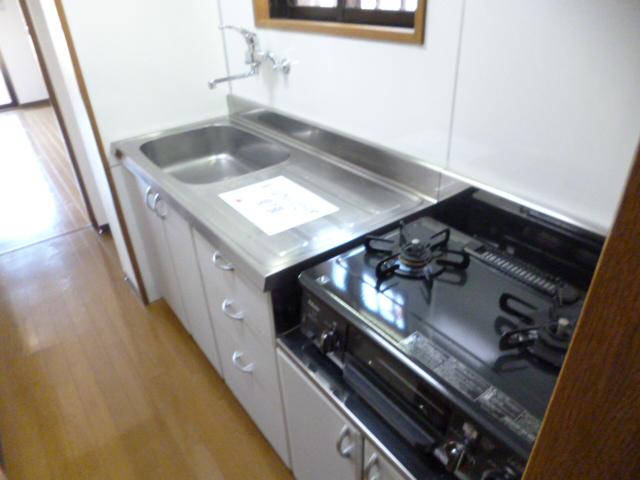 サングレースⅢ 102号室のキッチン