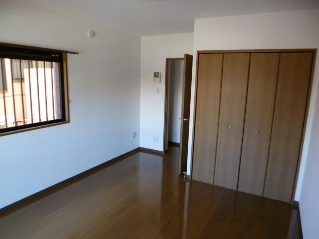サングレースⅢ 102号室のリビング