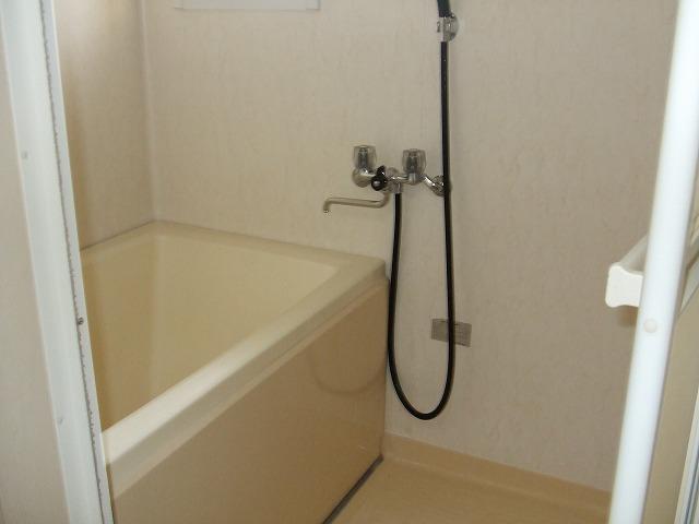 パールハイツ海老原38 203号室の風呂