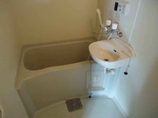 サンフラワー湘南 302号室の風呂