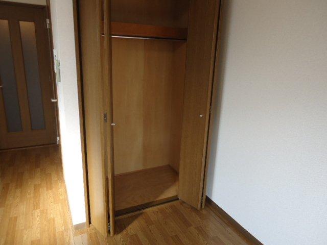 サンフラワー湘南 302号室の収納