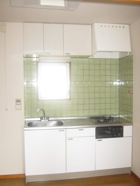 COM′S-1 302号室のキッチン