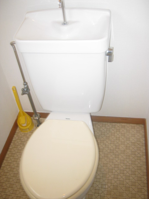 COM′S-1 302号室のトイレ