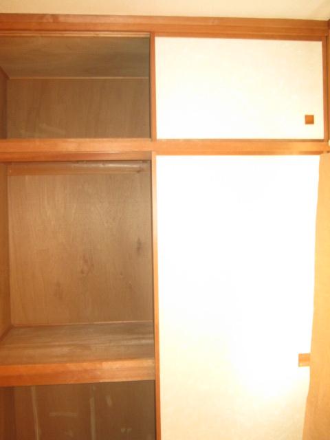 COM′S-1 302号室の収納