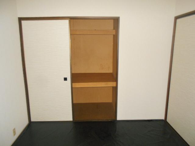 第2ニューリース神崎 103号室の収納