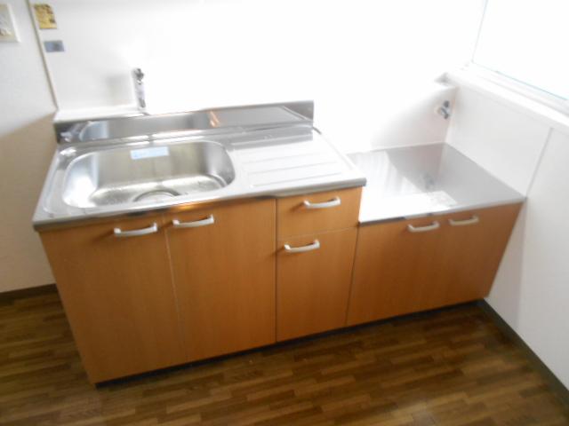 第2ニューリース神崎 103号室のキッチン