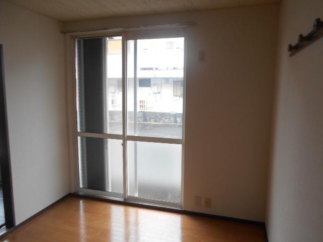 第2ニューリース神崎 103号室のベッドルーム