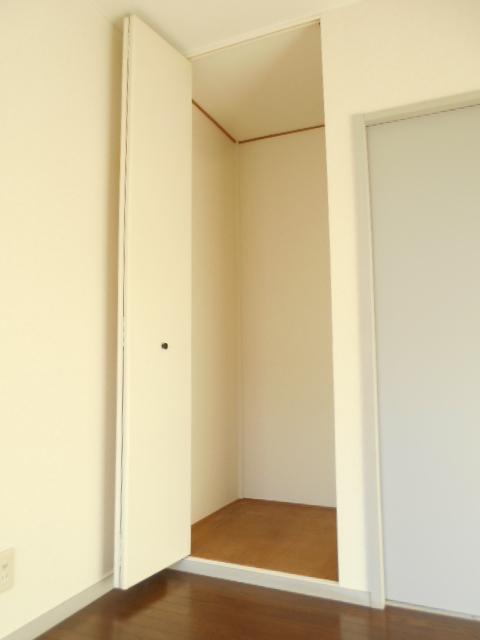 グリーンヒルTOMURO D 101号室の収納