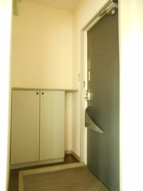 グリーンヒルTOMURO D 101号室の玄関