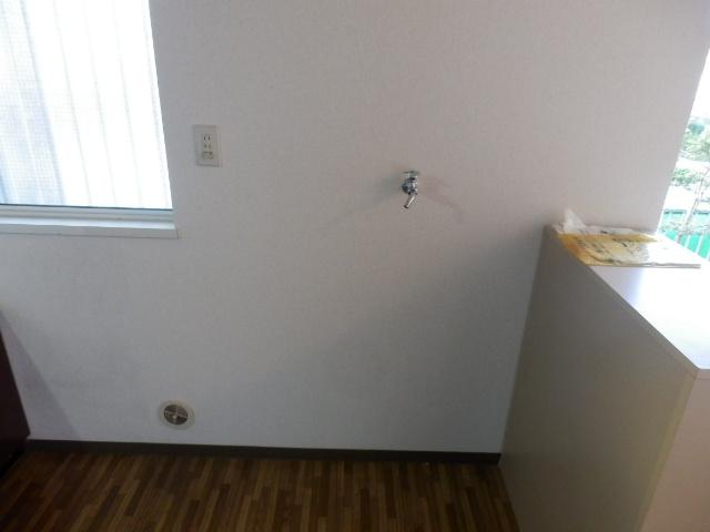 第2ニューリース神崎 105号室の駐車場