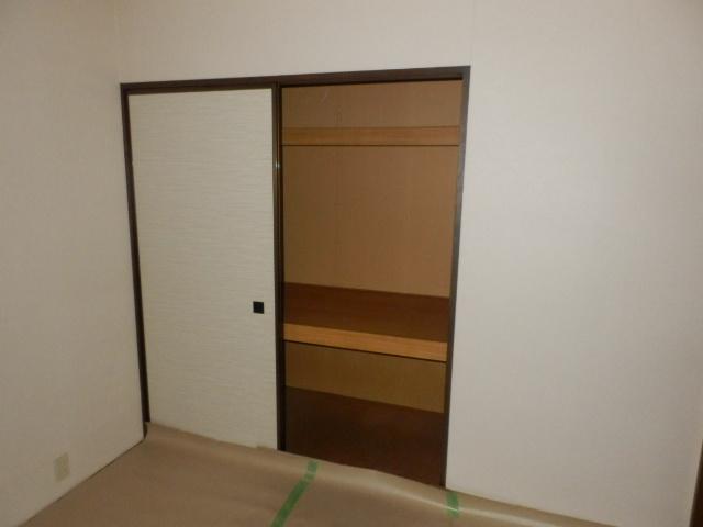 第2ニューリース神崎 105号室のリビング