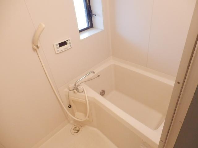 第2メゾンサンシャイン 201号室の風呂