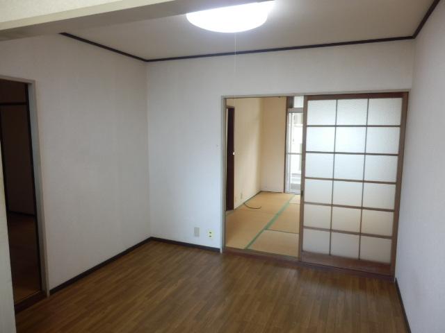 志田ハイツ 203号室のリビング
