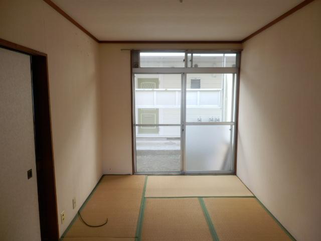 志田ハイツ 203号室のベッドルーム