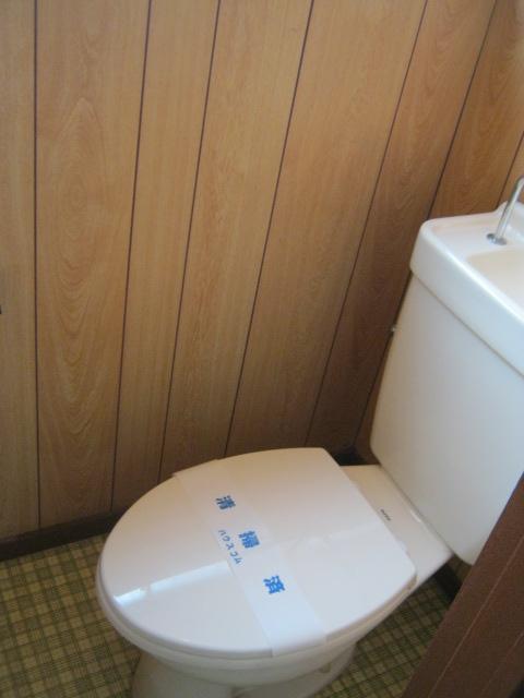 サンシャイン毛利台 101号室のトイレ