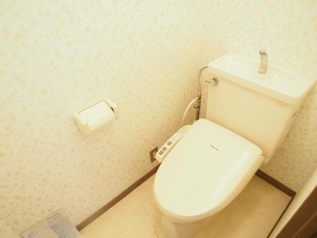 近長ビル 402号室のトイレ