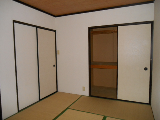 グリーンハイツ野本 201号室の居室