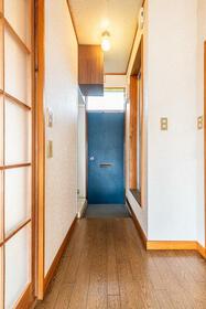 コーポアルファー 0201号室の玄関
