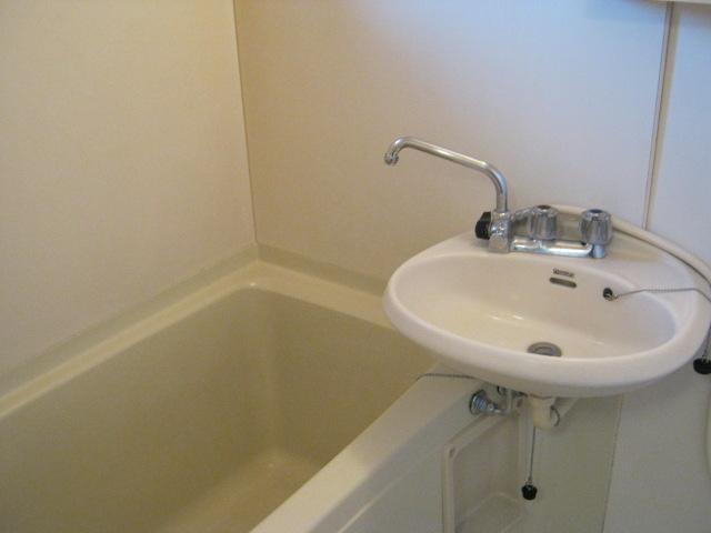 第2ニューリース神崎 201号室の風呂