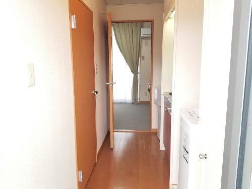 レオパレス愛 206号室の玄関
